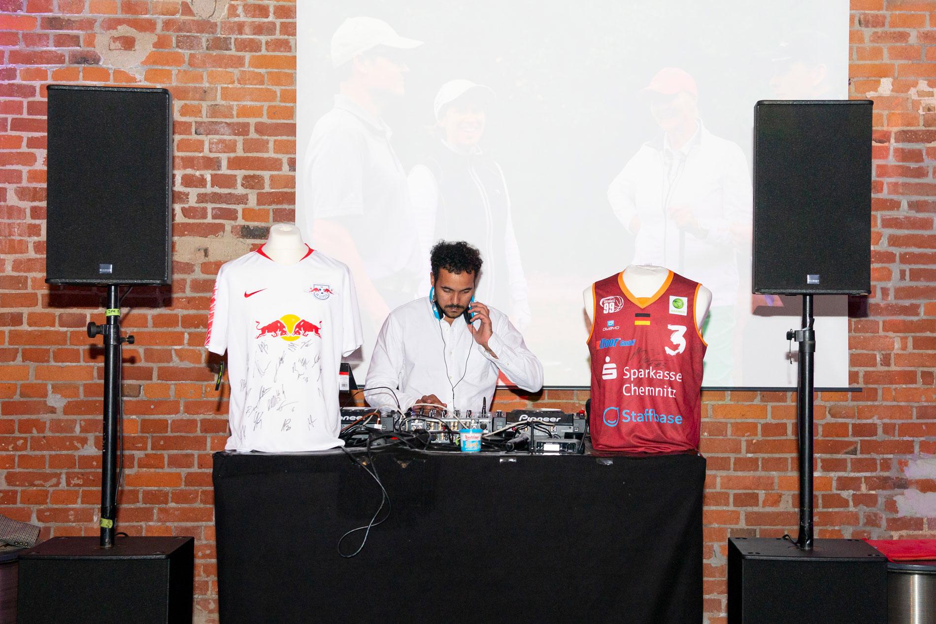 Party im Arno mit DJ